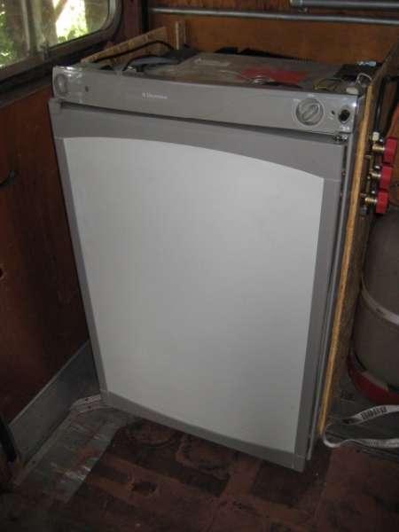 w stenschiff thema anzeigen k hlschrank gas 220v 12v. Black Bedroom Furniture Sets. Home Design Ideas
